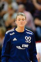 Tess Wester (VFL) konzentriert mit geschlossenen Augen