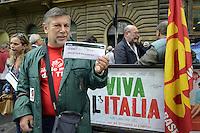 Roma, 12 Ottobre 2012.Ministero del Lavoro.Manifestazione lavoratrici e lavoratori Alitalia contro i licenziamenti..Oltre 4.000 lavoratori Alitalia dalla condizione di cassaintegrati passeranno a quella di licenziati.