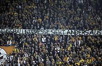 """FUER SZ FREI, PAUSCHALE GEZAHLT!!! Fussball, 2. Bundesliga, Saison 2011/12, SG Dynamo Dresden - TSV 1860 Muenchen, Freitag (23.03.12), gluecksgas Stadion, Dresden. Dresdens Fans mit Banner mit der Aufschrift, Fussballinteresse sieht anders aus""""."""