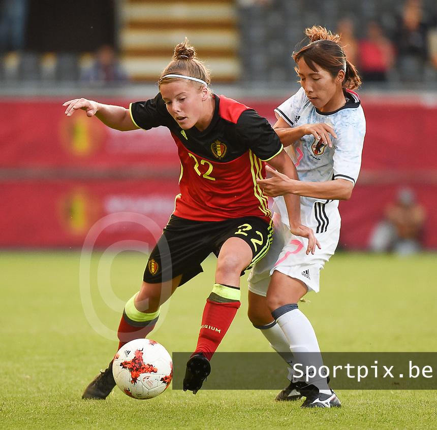 20170613 - LEUVEN ,  BELGIUM : Belgian Laura Deloose (L) and Japanese Emi Nakajima (R) pictured during the female soccer game between the Belgian Red Flames and Japan , a friendly game before the European Championship in The Netherlands 2017  , Tuesday 13 th Juin 2017 at Stadion Den Dreef  in Leuven , Belgium. PHOTO SPORTPIX.BE | DIRK VUYLSTEKE
