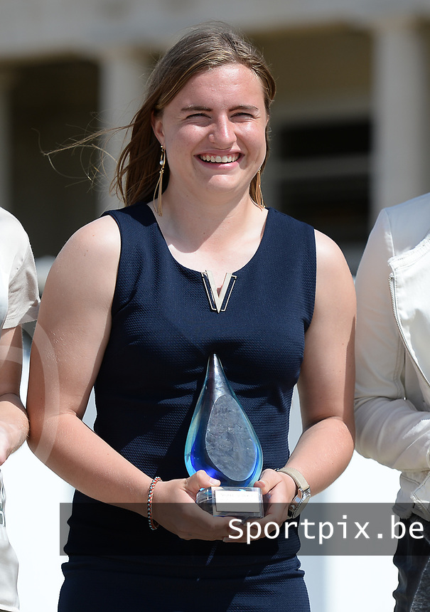 20170604 – OOSTENDE , BELGIUM : Best / Most promising young player Davinia Vanmechelen pictured during the 3nd edition of the Sparkle award ceremony , Sunday 4 June 2017 , in Oostende . The Sparkle  is an award for the best female soccer player in the Belgian Superleague and 1st division during the season 2016-2017 comparable to the Golden Shoe or Boot / Gouden Schoen / Soulier D'or for Men in Belgium . PHOTO SPORTPIX.BE | DAVID CATRY