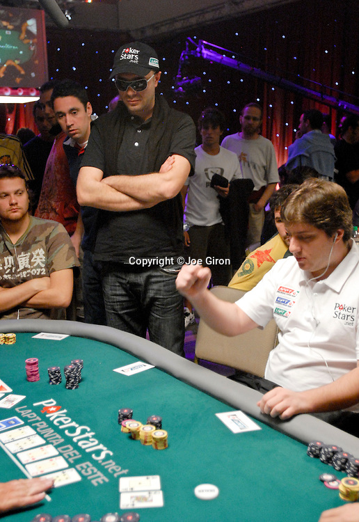 Pokerstars sponsored player Pavel Naydenov is eliminted by Felipe Ivar Do Sul Machado, who does a fist pump.