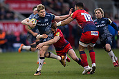 24th March 2018, AJ Bell Stadium, Salford, England; Aviva Premiership rugby, Sale Sharks versus Worcester Warriors; James O'Connor of Sale Sharks hands off to Ben Te'o of Worcester Warriors