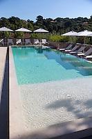Europe/France/2A/Corse du Sud/Porto-Vecchio: Hôtel-Restaurant: La Plage Casadelmar, presqu'île du Bendettu, Lecci, la piscine