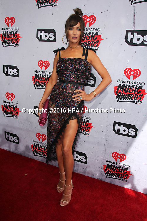LOS ANGELES - APR 3:  Courtney Sixx at the iHeart Radio Music Awards 2016 Arrivals at the The Forum on April 3, 2016 in Inglewood, CA