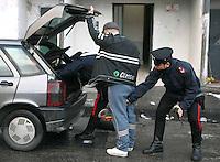 Napoli operazione carabinieri a secondigliano nel rione denominato terzo mondo
