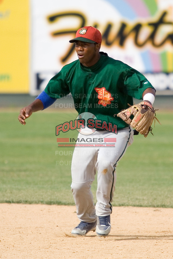 July 19, 2007: Boise Hawks' infielder Jose Made takes ground balls during batting practice prior to playing the Everett AquaSox in a Northwest League game at Everett Memorial Stadium in Everett, Washington.