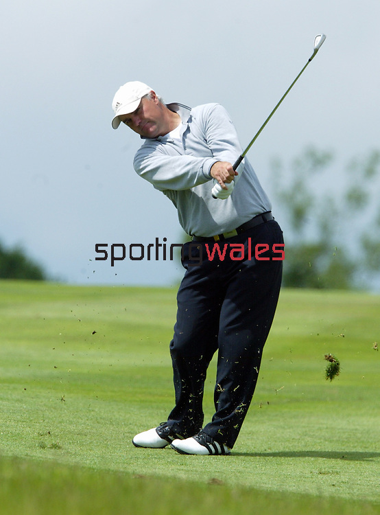 Stephen Dodd.Wales Open 2004.Celtic Manor Resort - Wentwood Hills.©Steve Pope.Sportingwales.com.07798 83 00 89.The Manor .Coldra Woods.Newport.South Wales.NP18 1HQ