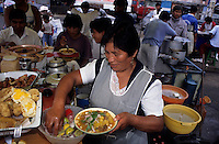 Amérique/Amérique du Sud/Pérou/Lima : Marché de Surquillo - Restaurants de rue