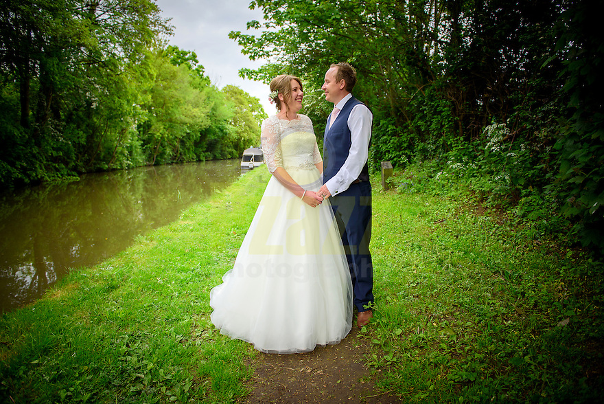Wedding Photography at Dodmoor House. Grand Union Canal, Northamptonshire