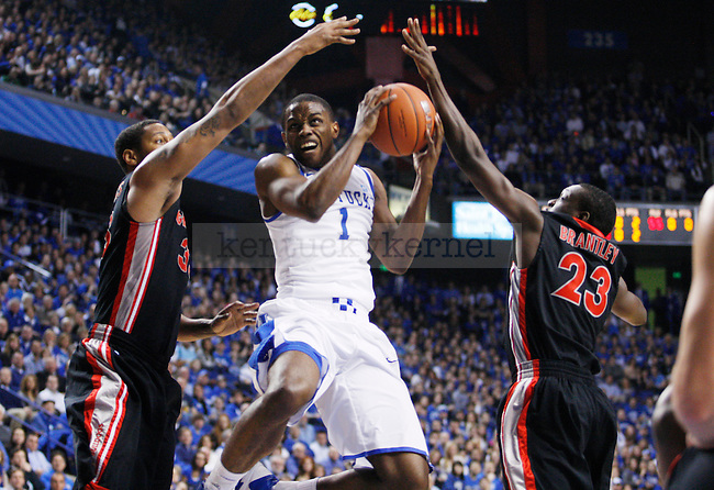 Darius Miller goes in for a layup in the first half of the UK men's basketball win over against the Georgia Bulldogs at Rupp Arena  on Jan. 18, 2011. Photo by Britney McIntosh | Staff