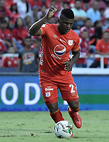 CALI - COLOMBIA, 21-04-2019: Marlon Torres del América en acción durante partido por la fecha 17 de la Liga Águila I 2019 entre América de Cali y Millonarios jugado en el estadio Pascual Guerrero de la ciudad de Cali. / Marlon Torres of America in action during match for the date 17 as part of Aguila League I 2019 between America Cali and Millonarios played at Pascual Guerrero stadium in Cali. Photo: VizzorImage / Gabriel Aponte / Staff