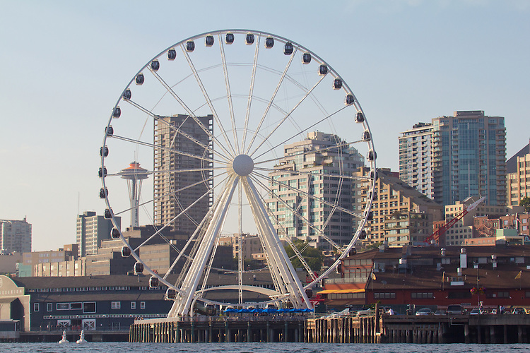 Seattle, Seattle Great Wheel, also called, Great Wheel, a new Ferris wheel, Pier 57, Space Needle, downtown, waterfront, Elliott Bay, Puget Sound, Washington State, Pacific Northwest, United States, USA,