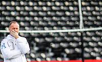 FOTO ARQUIVO DE 04/09/2011 - MANO MENEZES DURANTE TREINO DA SELECAO EM LONDRES - Mano Menezes não é mais técnico da seleção brasileira. A decisão foi tomada nesta sexta-feira após reunião na Federação Paulista de Futebol (FPF), em São Paulo, entre o presidente da CBF, José Maria Marin, o vice Marco Polo del Nero, e o diretor de Seleções, Andrés Sanches. A entidade vai anunciar nas próximas horas de forma oficial a saída do comandante da equipe nacional. O novo técnico será escolhido pela entidade apenas no início de janeiro: Tite (Corinthians), Muricy Ramalho (Santos) e Luiz Felipe Scolari (ex-Palmeiras) estão cotados. (FOTO: WILLIAM VOLCOV / BRAZIL PHOTO PRESS).