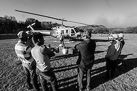 Helicopter used by the Conafor, National Forestry Commission to fight forest fires in the Sierra de Sonora, Mexico. June 2014...<br /> (photo: LuisGutierrez / NortePhoto.com)<br /> <br /> Helic&oacute;ptero utilizado por la Conafor, Comision Nacional Forestal para el combate de incendios de los bosques en la Sierra de Sonora, Mexico. junio  2014.<br /> &copy; (foto: LuisGutierrez / NortePhoto.com)  Helic&oacute;ptero.  Helico