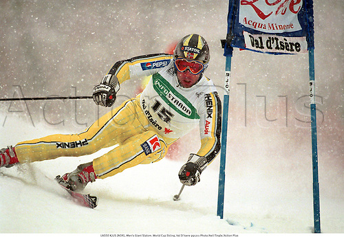 LASSE KJUS (NOR), Men's Giant Slalom. World Cup Skiing, Val D'Isere 991211 Photo:Neil Tingle/Action Plus...1999.Snow.Wintersports.winter sport.winter sports.wintersport.wintersports.alpine.ski.skier.man