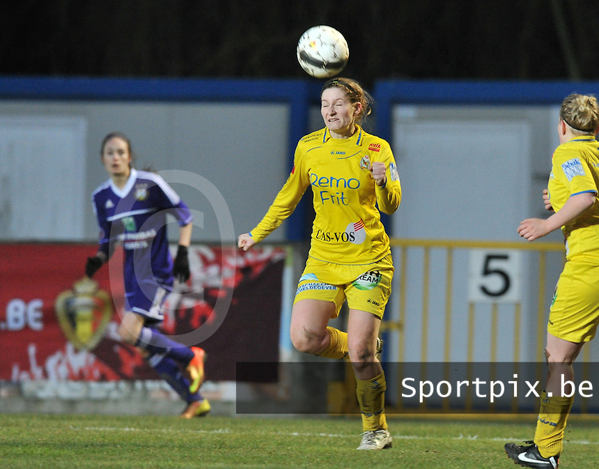 Waasland Beveren Sinaai Girls - RSC Anderlecht : Lien Thoen.foto DAVID CATRY / Nikonpro.be