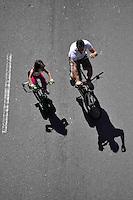 SAO PAULO, SP, 01 DE JULHO DE 2012 - VIRADA ESPORTIVA SP - Ciclistas na Av. Sumaré que foi interditada para o lazer na manhã deste domingo (01), durante Virada Esportiva 2012, que acontece este final de semana em São Paulo. FOTO: LEVI BIANCO - BRAZIL PHOTO PRESS