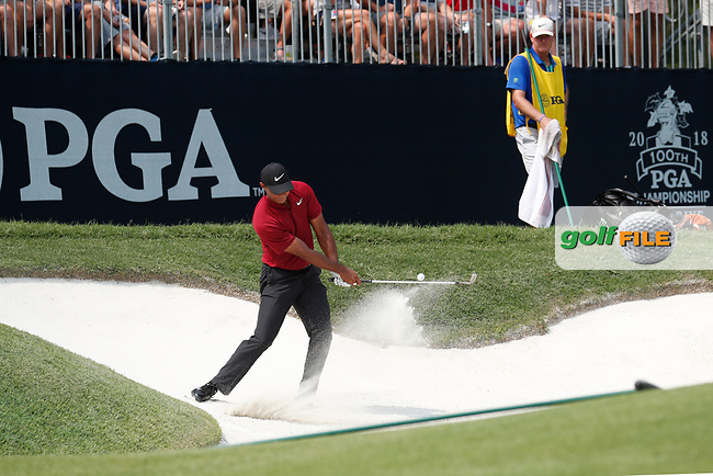 Tiger Woods (USA) hits out of a sand trap on the 6th hole during the final round of the 100th PGA Championship at Bellerive Country Club, St. Louis, Missouri, USA. 8/12/2018.<br /> Picture: Golffile.ie   Brian Spurlock<br /> <br /> All photo usage must carry mandatory copyright credit (© Golffile   Brian Spurlock)
