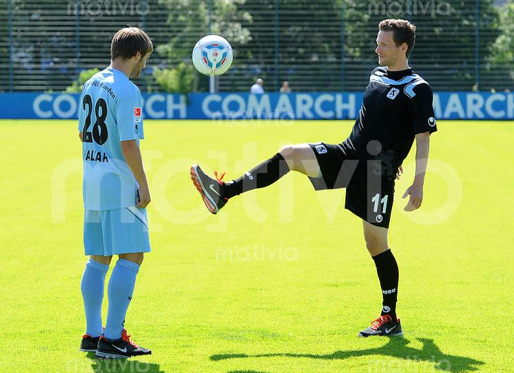 2. Fussball Bundesliga:  Saison   2011/2012 TSV 1860 Muenchen praesentiert den Trikotsponsor Uhlsport 15.06.2011 Daniel Halfar, Benjamin Lauth (v. li., 1860 Muenchen)