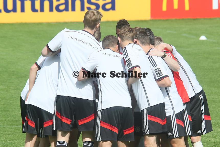 Spieler schwören sich ein - Training der Deutschen Nationalmannschaft  zur WM-Vorbereitung in St. Martin