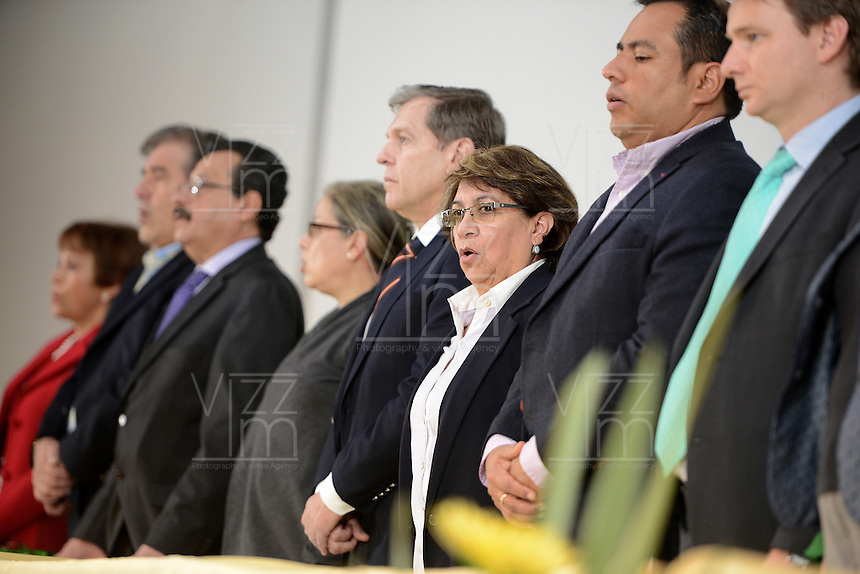 "BOGOTÁ -COLOMBIA. 10-10-2014. Aida Abella (segunda desde la Der), presidenta de la UP, durante el encuentro por la ""Dignidad de las Víctimas del Genocidio contra La UP"" realizado hoy, 10 de octuber de 2014, en la ciudad de Bogotá./ JAida Abella (second from R), president of the UP, during the meeting for the ""Dignity of Victims of Genocide against The UP"" took place today, October 10 2014, at Bogota city. Photo: Reiniciar /VizzorImage/ Gabriel Aponte<br />