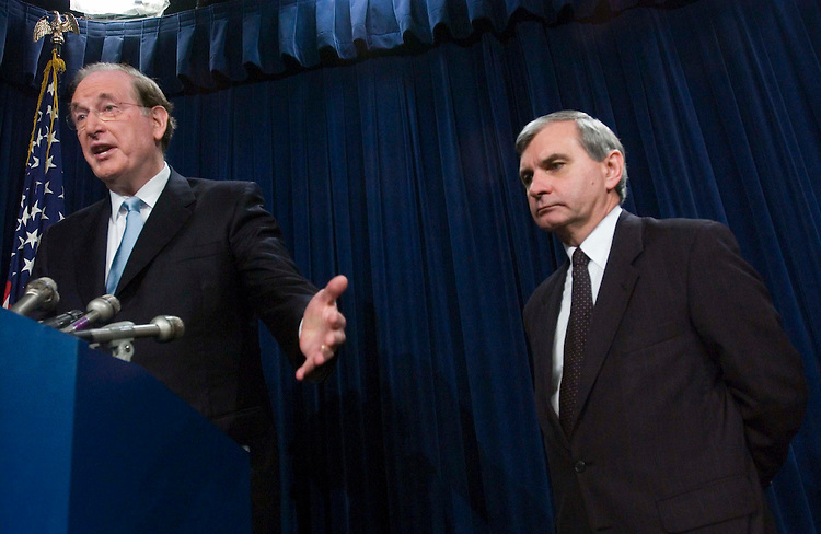 06/29/05.REACTION TO BUSH SPEECH ON IRAQ--Sen. John D. Rockefeller IV, D-W.Va., and Sen. Jack Reed, D-R.I., during a news conference on President Bush's speech on Iraq last night..CONGRESSIONAL QUARTERLY PHOTO BY SCOTT J. FERRELL