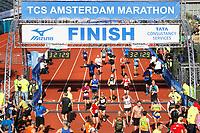 Nederland - Amsterdam - 2017 . De finish van de Marathon van Amsterdam.    Foto Berlinda van Dam / Hollandse Hoogte