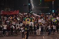 SÃO PAULO,SP, 18 Junho 2013 - Manifestacao em pela reducao do valor das passagem que acontece nesta terca feira 18 na Praca da Se regiao central de Sao Paulo.  na foto Avenida paulista tomado por manifestantes FOTO ALAN MORICI - BRAZIL FOTO PRESS
