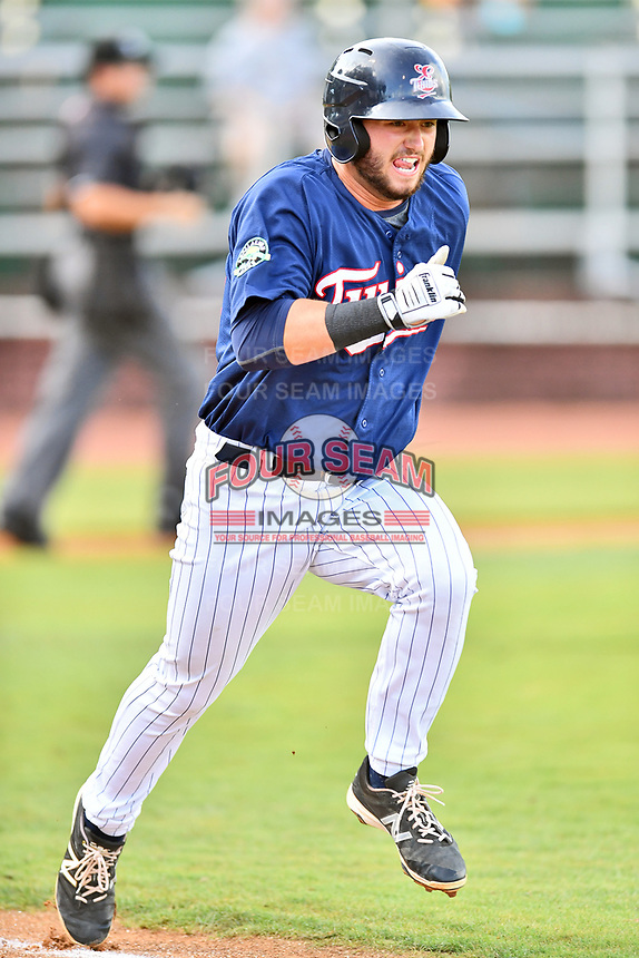 Elizabethton Twins first baseman Chris Williams (40) runs to first base during a game against the Kingsport Mets at Joe O'Brien Field on August 7, 2018 in Elizabethton, Tennessee. The Twins defeated the Mets 16-10. (Tony Farlow/Four Seam Images)