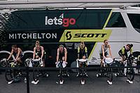 Team Mitchelton-Scott warming up<br /> <br /> UCI WOMEN'S TEAM TIME TRIAL<br /> Ötztal to Innsbruck: 54.5 km<br /> <br /> UCI 2018 Road World Championships<br /> Innsbruck - Tirol / Austria