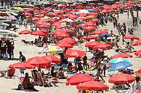 RIO DE JANEIRO,07 DE FEVEREIRO DE 2012- CLIMA TEMPO- Movimentação  na  orla  da  Capital Fluminense-RJ, praia da  Arpoador.<br /> Foto: Guto Maia/ News Free