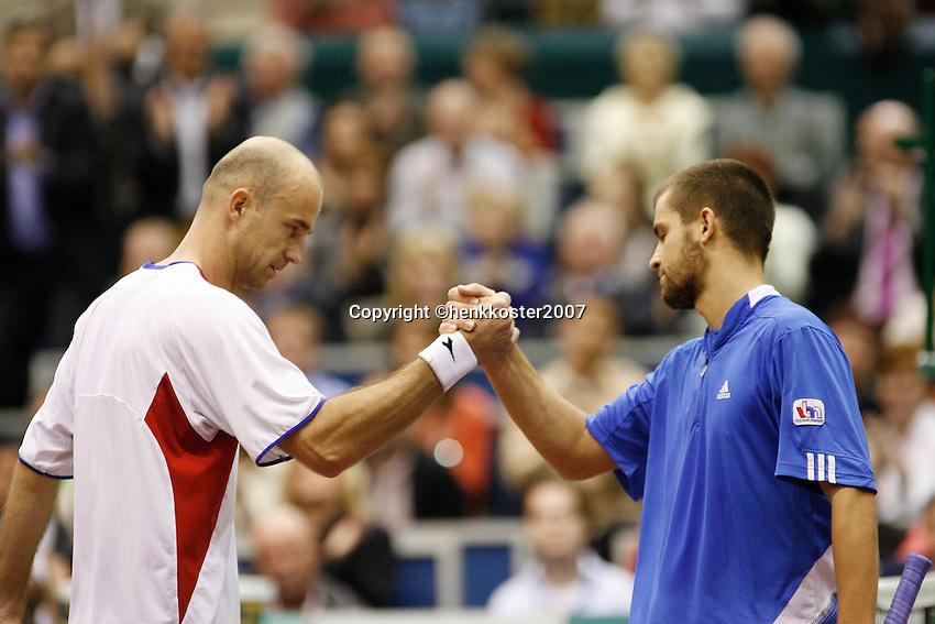 25-2-07,Tennis,Netherlands,Rotterdam,ABNAMROWTT, Ivan Ljubicic  congratulates  Mikhail Youzhny with his victory