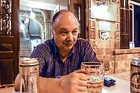 SIRIA  Aleppo ,Hotel Baron,  il proprietario, M.Maslumian 09/2003