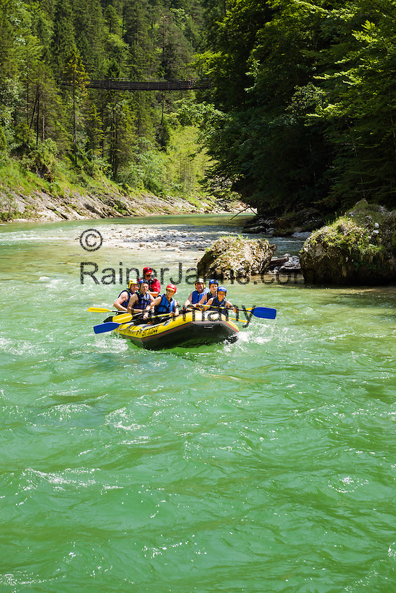 Austria, Styria, Palfau: adventure at SalzaArena - whitewater rafting on river Salza | Oesterreich, Steiermark, Palfau: Abenteuer in der SalzaArena - Wildwasser-Schlauchbootfahrt auf der Salza