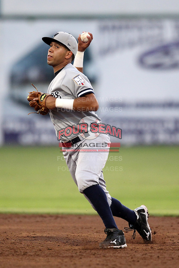 Staten Island Yankees shortstop Cito Culver #2 during a game against the Batavia Muckdogs at Dwyer Stadium on July 29, 2011 in Batavia, New York.  Staten Island defeated Batavia 10-7.  (Mike Janes/Four Seam Images)