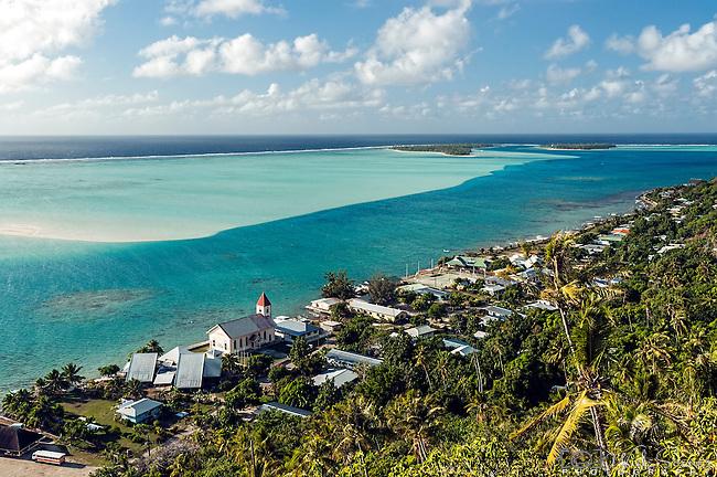 View on the way Mt Teurafaatiu, Maupiti, French Polynesia