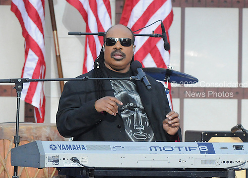 Denver, CO - August 28, 2008 -- Singer/songwriter Stevie Wonder performs on day 4 of the 2008 Democratic National Convention at INVESCO Field at Mile High Stadium in Denver, Colorado on Thursday, August 28, 2008..Credit: Ron Sachs - CNP.(RESTRICTION: NO New York or New Jersey Newspapers or newspapers within a 75 mile radius of New York City)