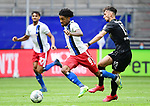 v.l. Jeremy Dudziak (HSV), Leart Paqarada<br />Hamburg, 28.06.2020, Fussball 2. Bundesliga, Hamburger SV - SV Sandhausen<br />Foto: VWitters/Witters/Pool//via nordphoto<br /> DFL REGULATIONS PROHIBIT ANY USE OF PHOTOGRAPHS AS IMAGE SEQUENCES AND OR QUASI VIDEO<br />EDITORIAL USE ONLY<br />NATIONAL AND INTERNATIONAL NEWS AGENCIES OUT