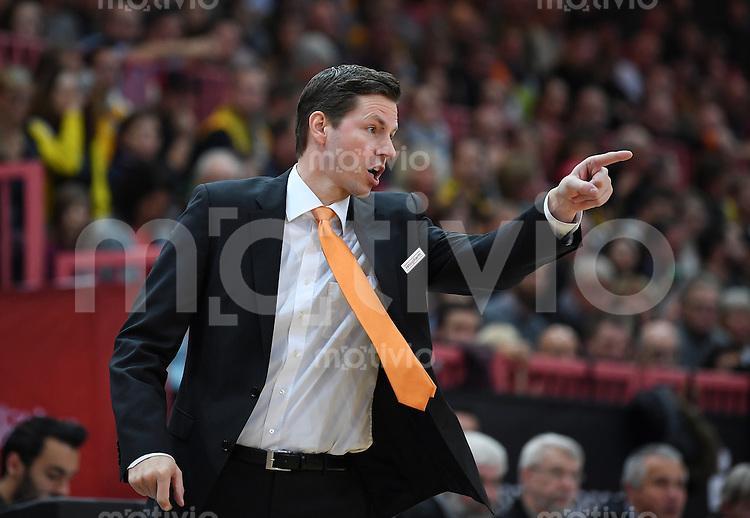 Basketball  1. Bundesliga  2016/2017  Hauptrunde  12. Spieltag  04.12.2016 Walter Tigers Tuebingen - ratiopharm Ulm Trainer Thorsten Leibenath (Ulm)