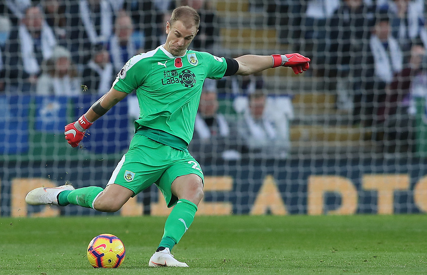 Burnley's Joe Hart<br /> <br /> Photographer Rachel Holborn/CameraSport<br /> <br /> The Premier League - Saturday 10th November 2018 - Leicester City v Burnley - King Power Stadium - Leicester<br /> <br /> World Copyright © 2018 CameraSport. All rights reserved. 43 Linden Ave. Countesthorpe. Leicester. England. LE8 5PG - Tel: +44 (0) 116 277 4147 - admin@camerasport.com - www.camerasport.com