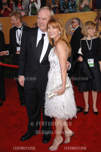 JANE SEYMOUR & husband JAMES KEACH at the 12th Annual Screen Actors Guild Awards at the Shrine Auditorium, Los Angeles..January 29, 2006  Los Angeles, CA..© 2006 Paul Smith / Featureflash