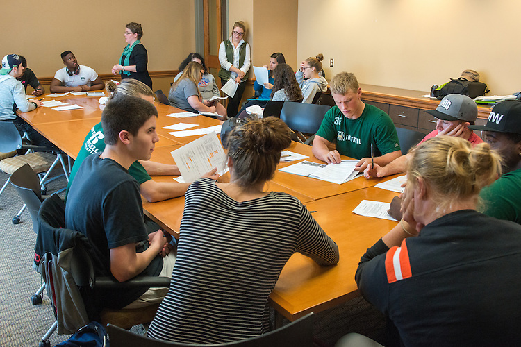 Photographs of a Learning Community Study Session on Oct. 13, 2015 at Baker University Center on the Ohio University campus in Athens, Ohio. © Ohio University / Photo by Joel Prince