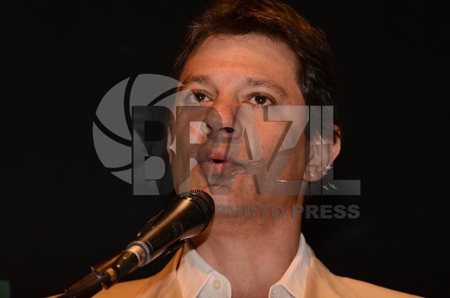 SAO PAULO, 01 DE AGOSTO DE 2012 - ELEICOES 2012 -  candidato Fernando Haddad , durante campanha Copa, Olimpiadas, Eleicoes - Qual o legado para sua cidade, na manha desta quarta feira, no auditorio do sesc Consolacao, regiao central da capital. FOTO: ALEXANDRE MOREIRA - BRAZIL PHOTO PRESS