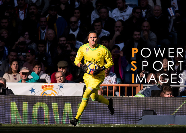 Goalkeeper Keylor Navas of Real Madrid in action during the La Liga 2017-18 match between Real Madrid and FC Barcelona at Santiago Bernabeu Stadium on December 23 2017 in Madrid, Spain. Photo by Diego Gonzalez / Power Sport Images