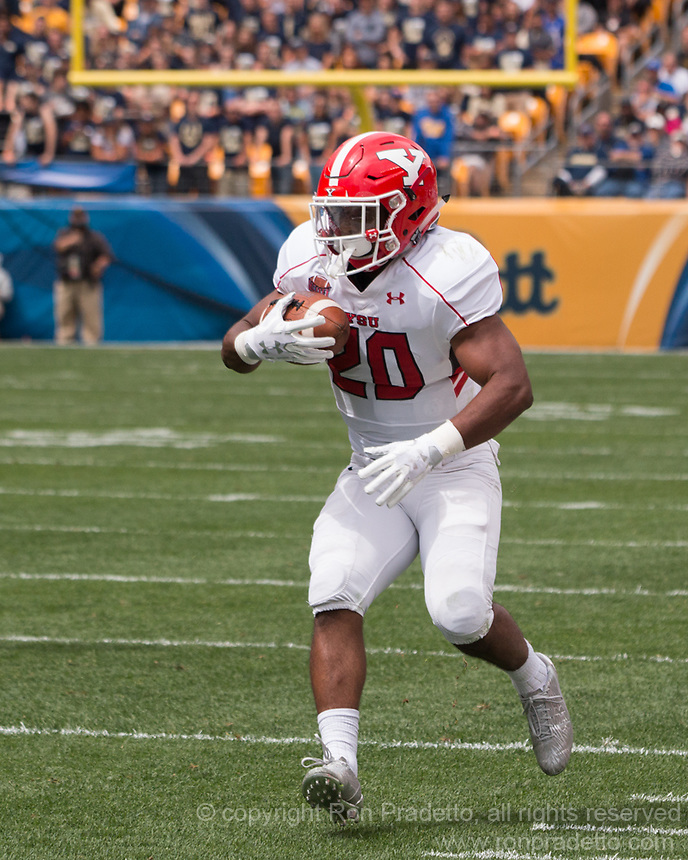 Youngstown State Penguins running back Christian Turner. The Pitt Panthers defeated the Youngstown State Penguins 28-21 in overtime at Heinz Field, Pittsburgh, Pennsylvania on September 02, 2017.