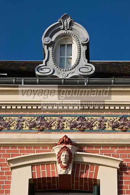 Europe/France/Picardie/80/Somme/Baie de Somme/ Saint-Valéry-sur-Somme: Détail des villas  du  front de mer