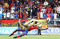PASTO - COLOMBIA, 05-05-2019: Carlos Bejarano arquero del América en acción durante partido entre Deportivo Pasto y América de Cali por la fecha 20 de la Liga Águila I 2019 jugado en el estadio Municipal de Ipiales. / Carlos Bejarano goalkeeper of America in action during between Deportivo Pasto and America de Cali match for the date 20 of the Liga Aguila I 2019 played at the Municipal de Ipiales stadium. Photo: VizzorImage / Leonardo Castro / Cont