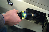 "Europa Deutschland DEU Hamburg .Tankstelle Betanken eines Taxi  mit Biodiesel - xagndaz | .Europe Germany GER Hamburg .Filling of cab with biodiesel - biofuel fuel .| [ copyright (c) Joerg Boethling / agenda , Veroeffentlichung nur gegen Honorar und Belegexemplar an / publication only with royalties and copy to:  agenda PG   Rothestr. 66   Germany D-22765 Hamburg   ph. ++49 40 391 907 14   e-mail: boethling@agenda-fototext.de   www.agenda-fototext.de   Bank: Hamburger Sparkasse  BLZ 200 505 50  Kto. 1281 120 178   IBAN: DE96 2005 0550 1281 1201 78   BIC: ""HASPDEHH"" ,  WEITERE MOTIVE ZU DIESEM THEMA SIND VORHANDEN!! MORE PICTURES ON THIS SUBJECT AVAILABLE!! ] [#0,26,121#]"