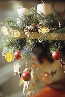 Europe/Allemagne/Rhénanie du Nord-Westphalie/Cologne: Détail décoration de Noël dans les vitrines des boutiques